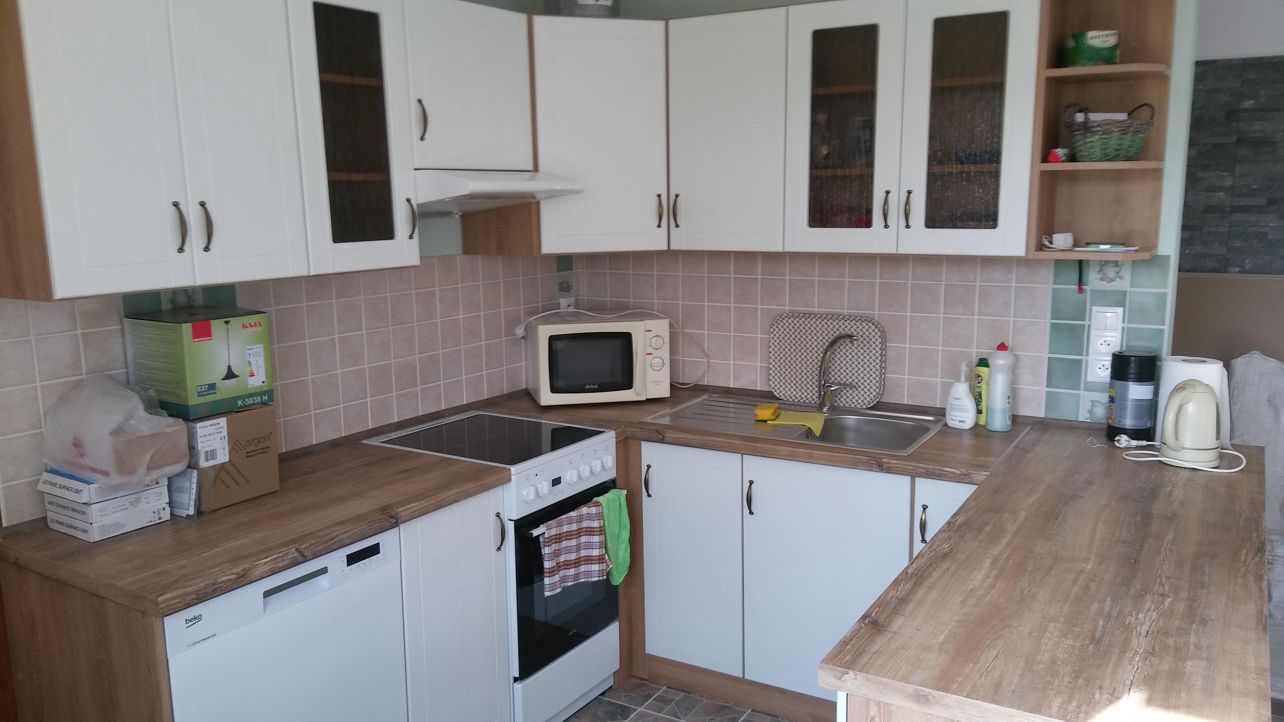 849a0261757 Kuchyňa v tvare U moderné prevedenie – Kuchyne-Levice.sk